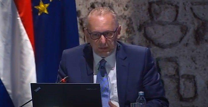 Božinović istaknuo kako sustav civilne zaštite i policija funkcioniraju na svim razinama: dosad izvršeno više od 5.000 pojedinačnih nadzora