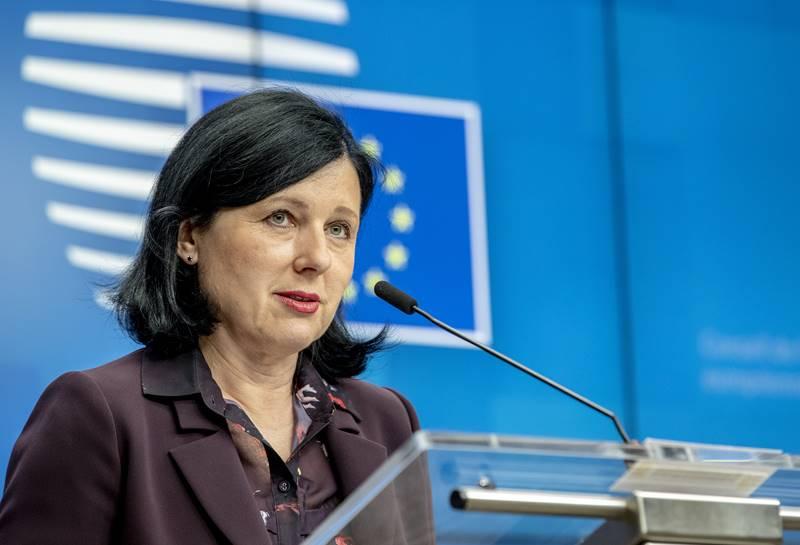 """Potpredsjednica Europske komisije za pravosuđe Jourova: EU """"morbidno ovisna"""" o medicinskoj opremi iz Kine i Indije"""