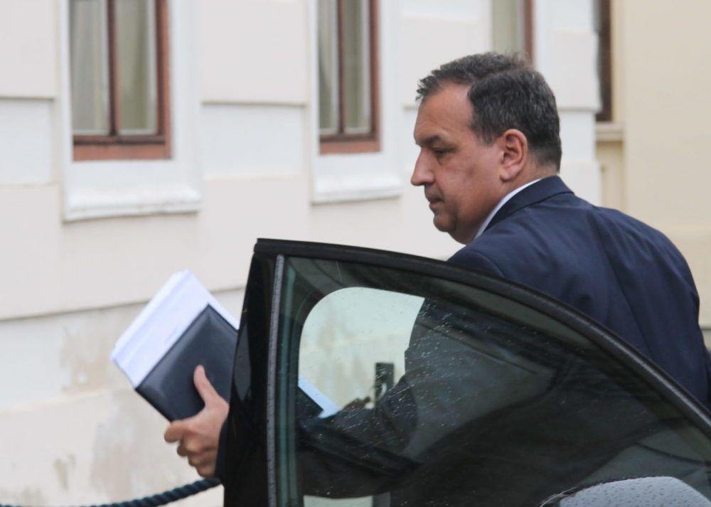 Ministar zdravstva Vili Beroš: Većina zaraženih Covidom-19 umire s virusom a ne od virusa