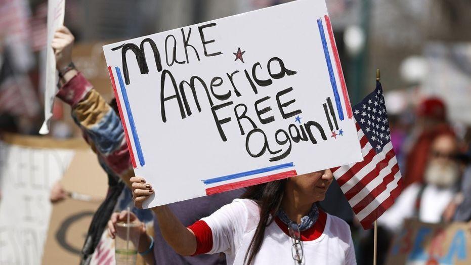 """U SAD-u prosvjedi za """"oživljavanje ekonomije"""" i """"potporu Trumpu"""""""