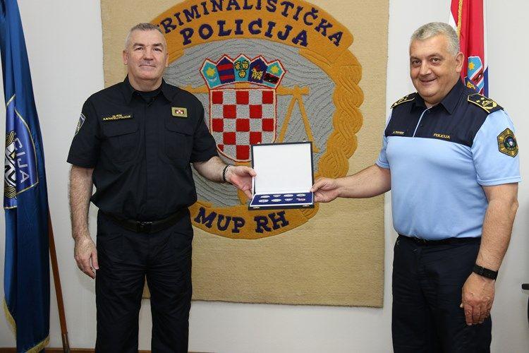 Glavni ravnatelj hrvatske policije Nikola Milina i generalni direktor slovenske policije Anton Travner potvrdili međunarodnu suradnju