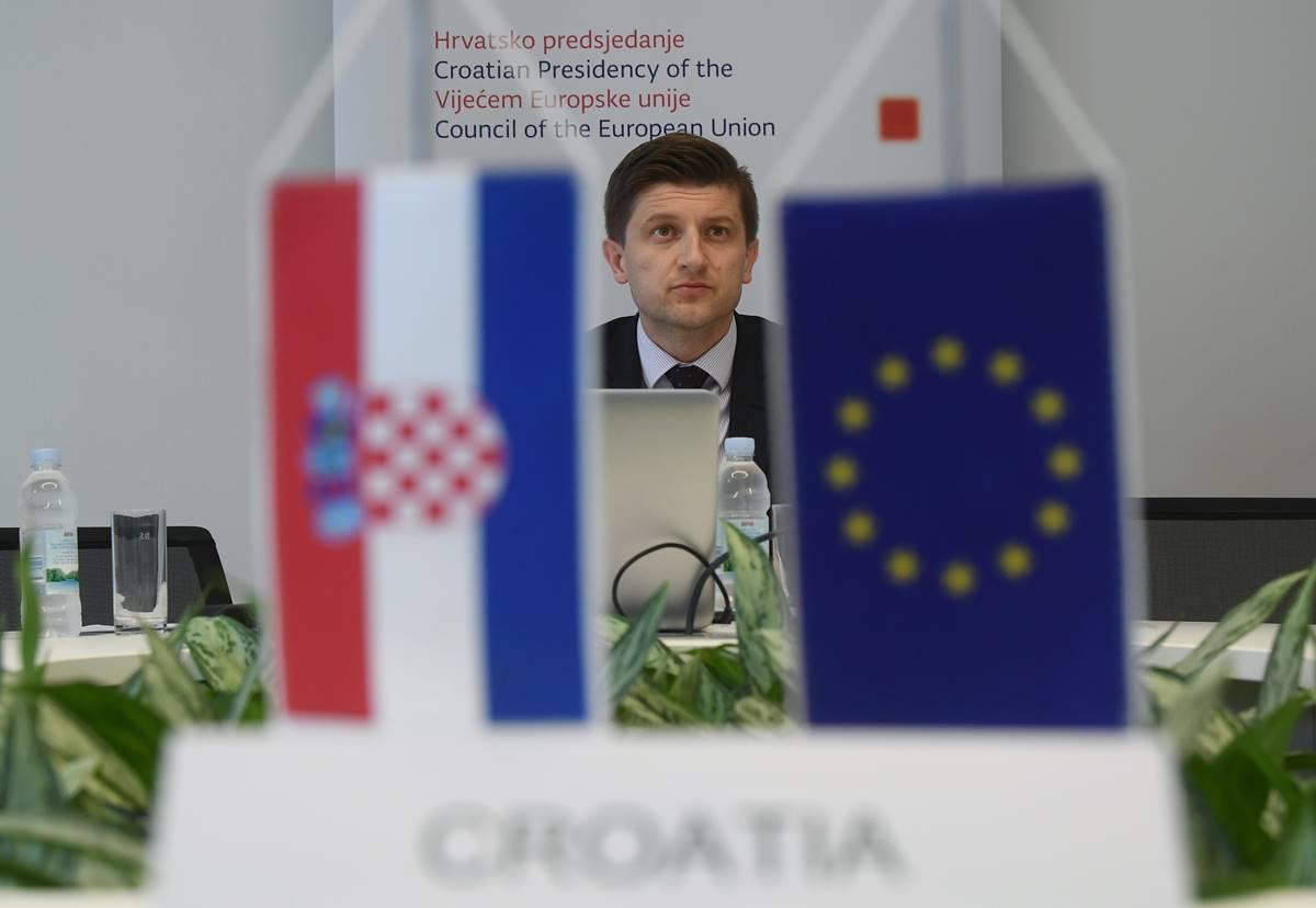 EU se dogovorio o 100 milijardi eura zajmova za očuvanje radnih mjesta