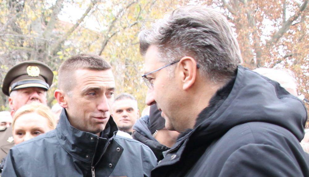 KAD SE MALE RUKE SLOŽE SVE SE MOŽE! DOGOVORENA KOALICIJA ŠKORE I PLENKOVIĆEVOG HDZ-A? Vukovarski gradonačelnik Penava most suradnje