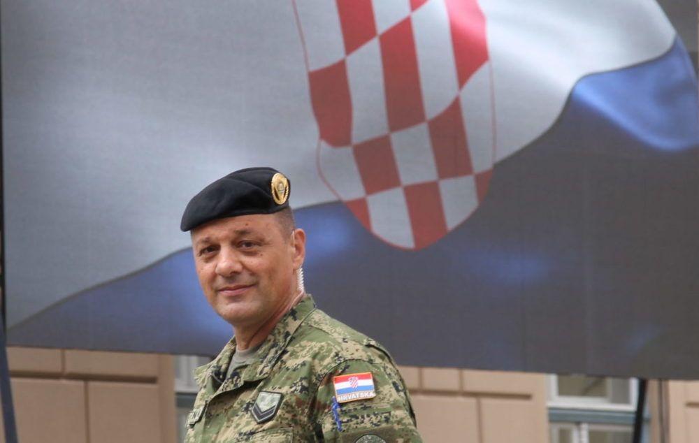 (VIDEO) Čestitka pripadnika HV-a u povodu Dana državnosti RH: S ponosom čestitamo 30 godina hrvatske državnosti!