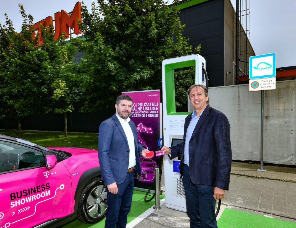 Otvorena prva ultrabrza e-punionica Konzuma i Hrvatskog Telekoma