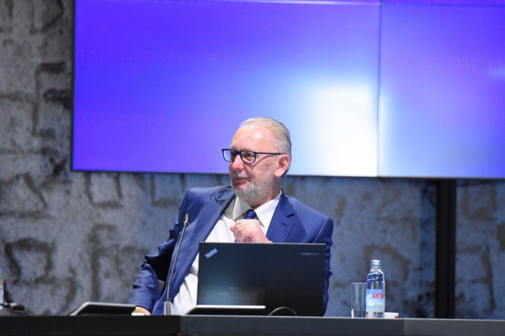Vlada za nacionalnu sigurnost zadužila ministra unutarnjih poslova Davora Božinovića