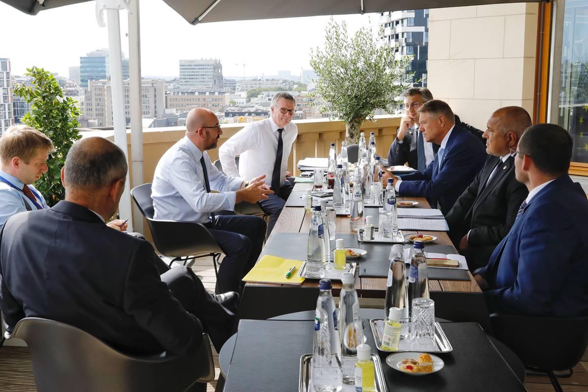 Samit EU-a ušao u četvti dan, dogovora još nema