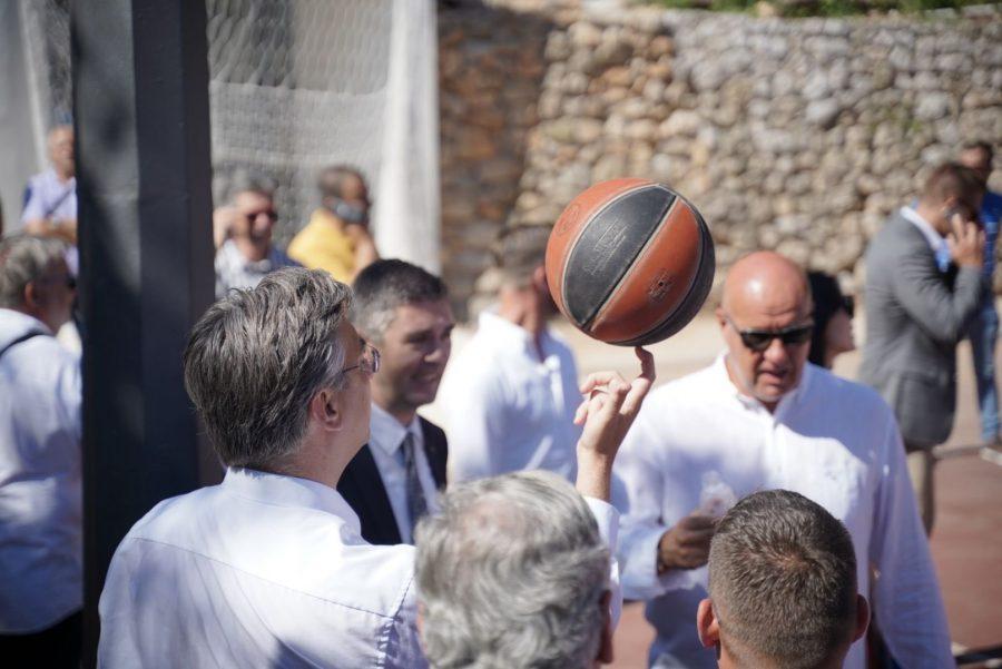 Plenković: Nije vrijeme za eksperimente i šarlatane, nego igru na sigurno; Domovinski pokret licitira s mandatima, a nemaju rješenje za budućnost RH
