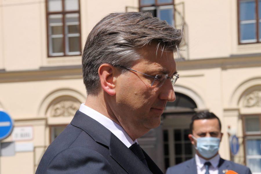 Plenković čestitao nadbiskupu Kutleši i biskupu Paliću