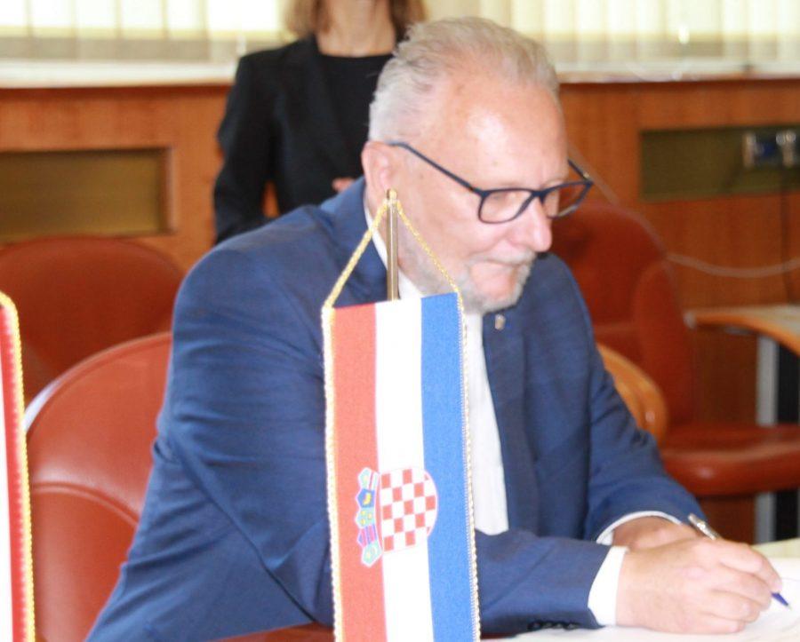Božinović: Na web stranici entercroatia.mup.hr svoj dolazak ukupno je prijavilo 3.001.989 osoba, od toga 2.636.359 turista