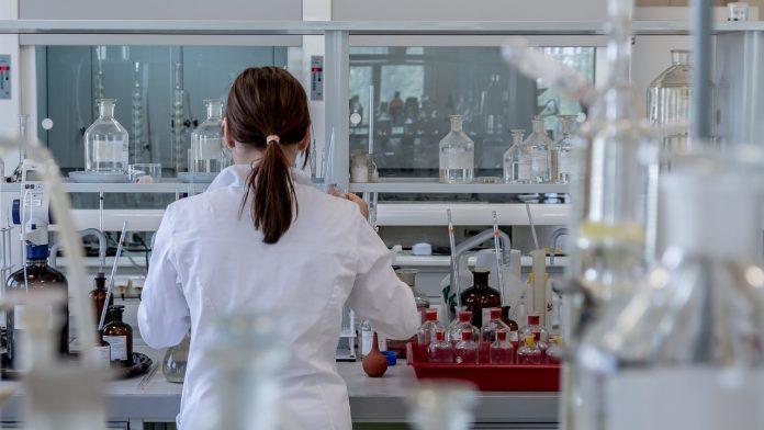 Moderna i Pfizer pokrenuli odlučujuću fazu testiranja cjepiva za covid-19