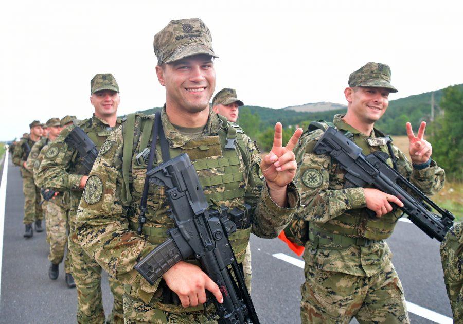 MORH: Polaznici obuke za razvoj vođa započeli hodnju od Udbine do Knina