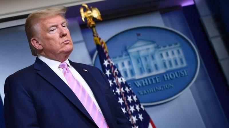 """Bijela kuća potvrdila blage simptome Trumpa koji nastavlja raditi: """"Američki narod može biti siguran da imamo predsjednika koje ne samo da je na radnom mjestu nego će i ostati na njemu"""""""