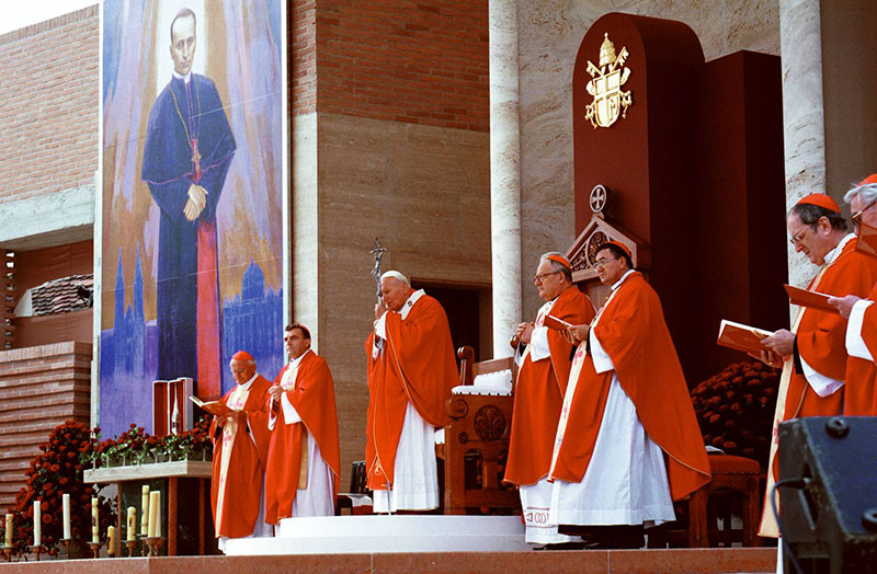 Na današnji dan Papa sv. Ivan Pavao II. u Mariji Bistrici 1998 godine proglasio Alojzija Stepinca blaženim