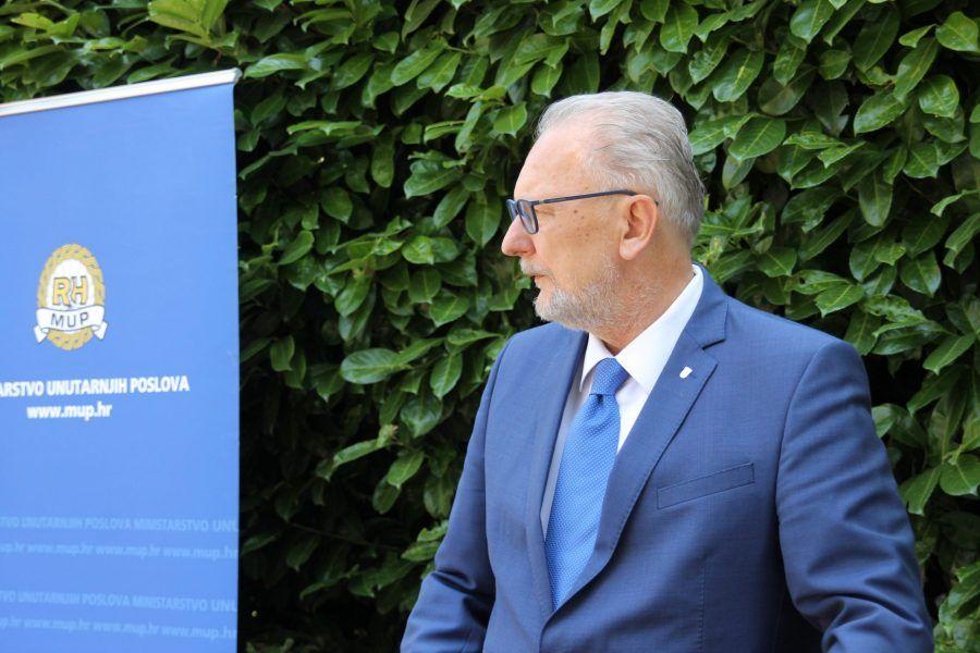 """Božinović najavio oštriju kontrolu provedbe novih mjera za suzbijanje širenja koronavirusa: """"Policija će sada biti u provedbi ovih mjera puno striktnija"""""""