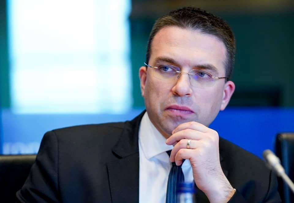 Hrvatski eurozastupnik Sokol: Stop lažnim optužbama protiv Hrvatske, pravilno štitimo EU granicu od ilegalnih migracija