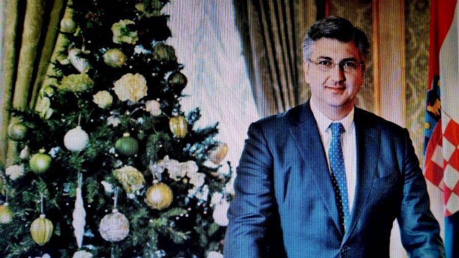 Premijer Plenković hrvatskim građankama i građanima čestitao Božić: neka vam božićna poruka nade donese obilje mira i zdravlja te bude ohrabrenje za bolja vremena koja dolaze