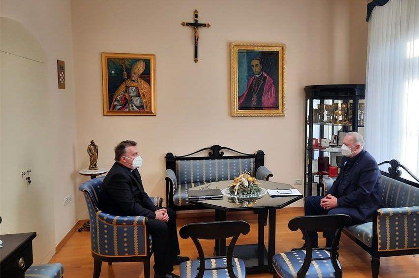 Božinović informirao kardinala Bozanića o novijim izazovima migrantske krize u Europi