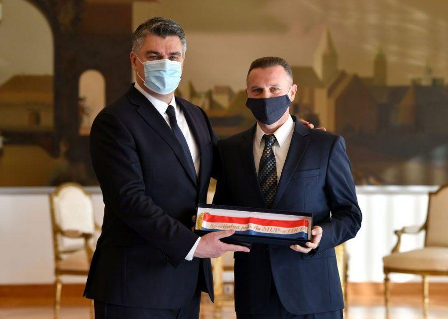 Predsjednik Republike Milanović uručio odlikovanja generalima HV-a i postrojbama HVO-a i policije HR HB