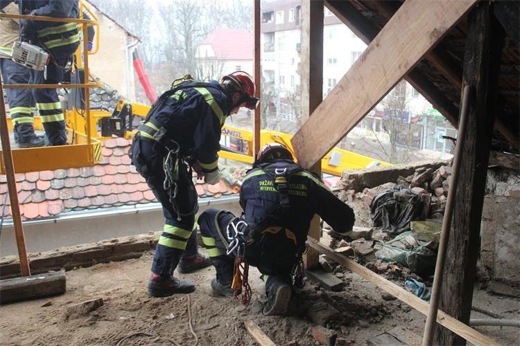 HVZ: Nastavljen angažman vatrogasaca na potresom pogođenom području