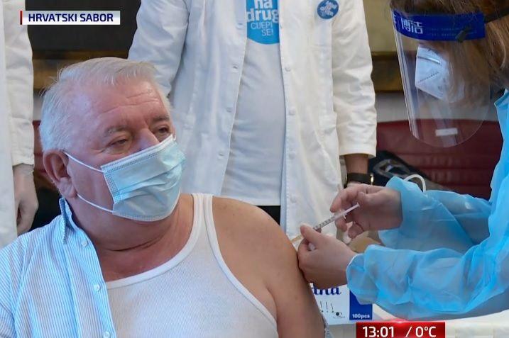 (VIDEO) Sabor: Protiv koronavirusa cijepilo se 50-ak zastupnika