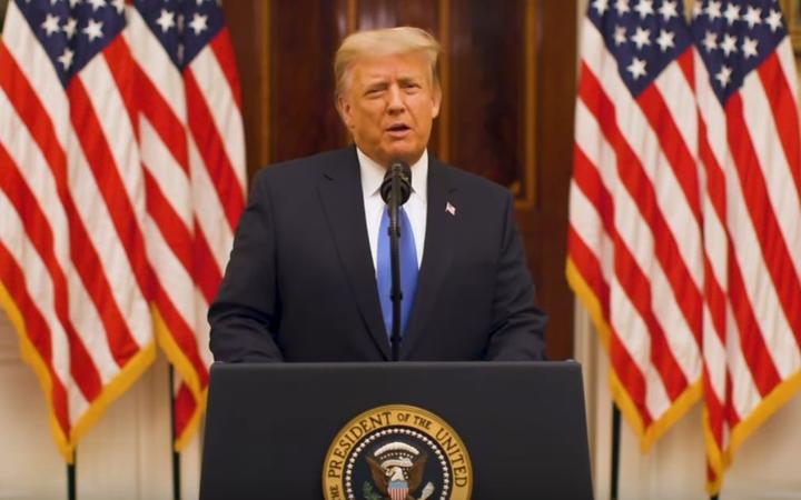 (VIDEO) Trump zaželio uspjeh novoj administraciji: Thank you, and farewell. God bless you. God bless the United States of America