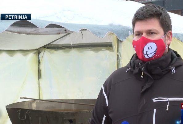 """Kuhar volonter iz Splita: """"Država da je bila u stanju, izašli bi prvi na teren, blokirali nas, volontere podijelili, ali mi kad smo došli ovdje, nikoga nije bilo"""""""