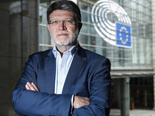 Piculi mandat EP-a za izradu preporuka za odnose sa SAD-om