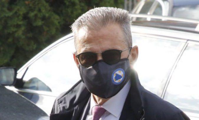 Ravnatelj Obavještajno-sigurnosne agencije BiH (OSA) Osman Mehmedagić oslobođen optužbe za izuzimanje snimka u BH Pošti