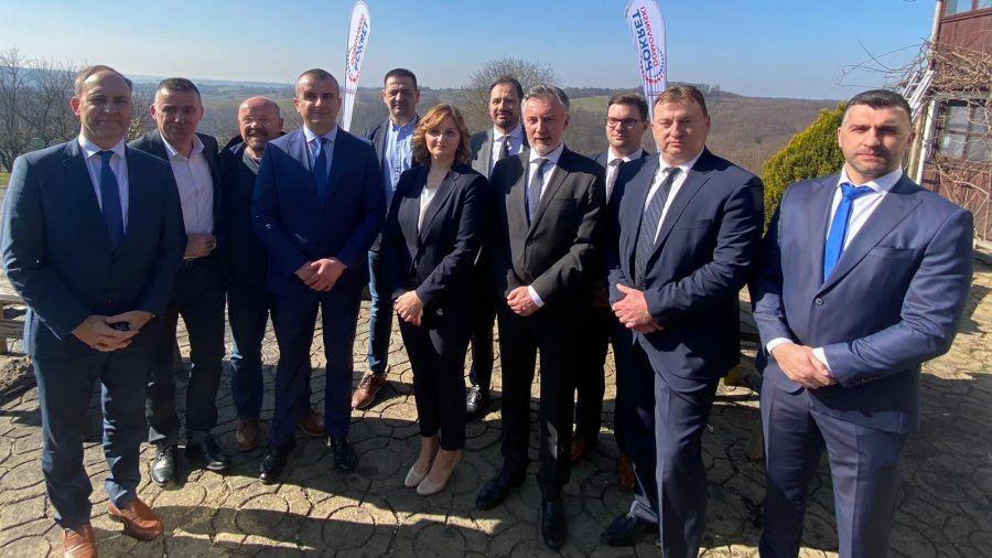 Domovinski pokret predstavio kandidate za županicu i bjelovarskog gradonačelnika: Birajte srcem!