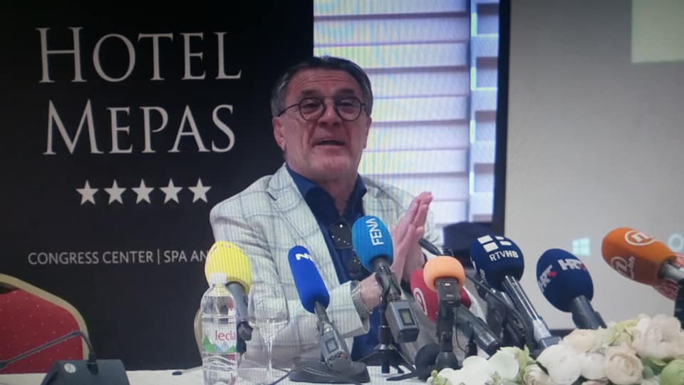 Kazimir Mikašek-Kazo: Maminjo ex-press!
