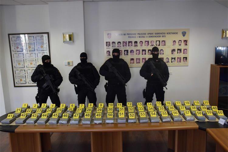(FOTO i VIDEO) Hrvatska policija razbila još jedan lanac preprodaje kokaina