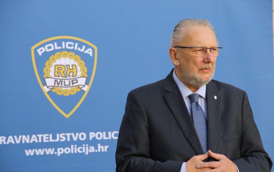 """Božinoviću nije logično da Zoran Mamić može prijeći granicu; Zoran Mamić odgovara: """"još uvijek sam slobodan čovjek, mogu ići kud i kad hoću"""""""