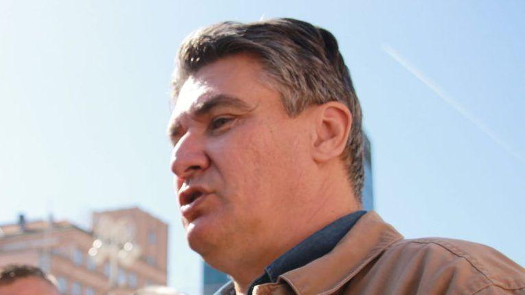 """Milanović uzvraća: """"Treba li tebe, Plenkoviću, opozvati jer skupa s pogubljenim COVID stožerašima već godinu dana kršiš Ustavom zajamčenu jednakost građana""""?"""