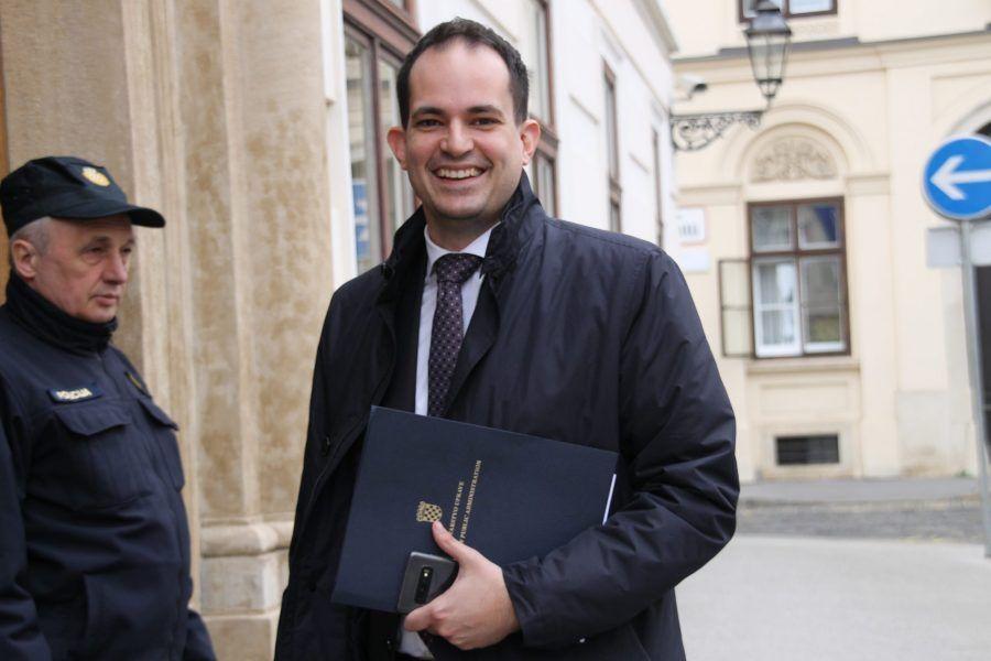 Bašić i Stipić sad bježati ni ne moraju već mogu s putovnicama lagano do ministra Malenice na kavu i bez brige preći granicu
