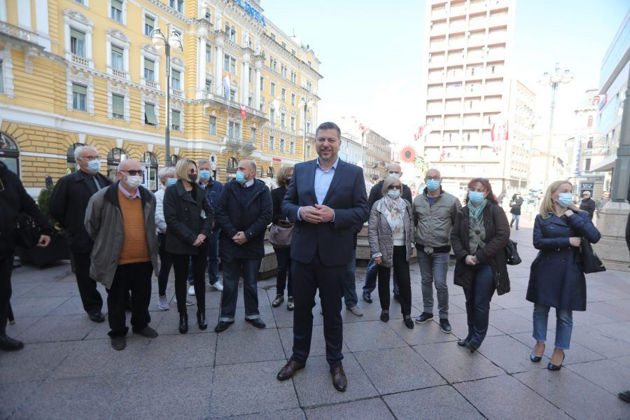 """Kandidat HDZ-a Ostrogović u Rijeci nudi """"paket"""" pomoći umirovljenicima, kao i novi dom za starije i dječji vrtić na Kantridi"""