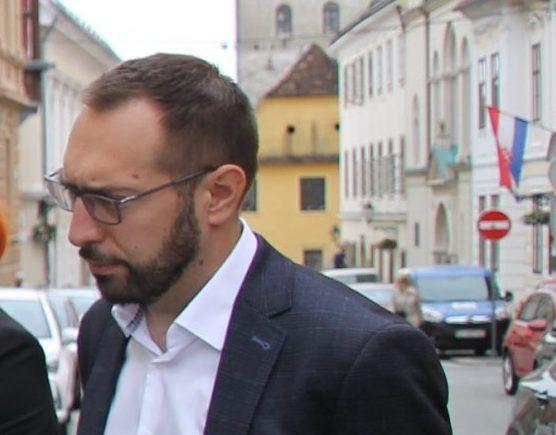 Tomašević: Nedopustivo i bezobrazno namješten milijunski natječaj za osobna vozila Gradske uprave