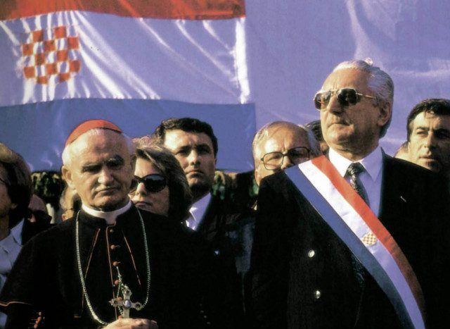 """PLENKOVIĆ ISKRIVLJUJE POVIJEST Što je Franjo Tuđman govorio o Jasenovcu: """"Nije poprište samo onih zločina koje je počinio ustaški, već i onih koje je počinio komunistički režim po završetku rata"""""""