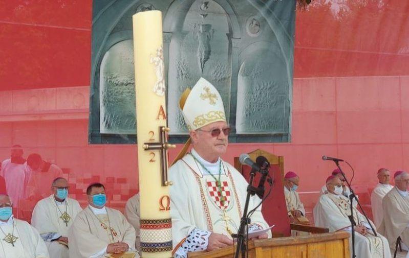 """U Udbini odana počast bleiburškim žrtvama – Gospićko-senjski biskup Zdenko Križić: """"tu smo da molimo i praštamo"""""""