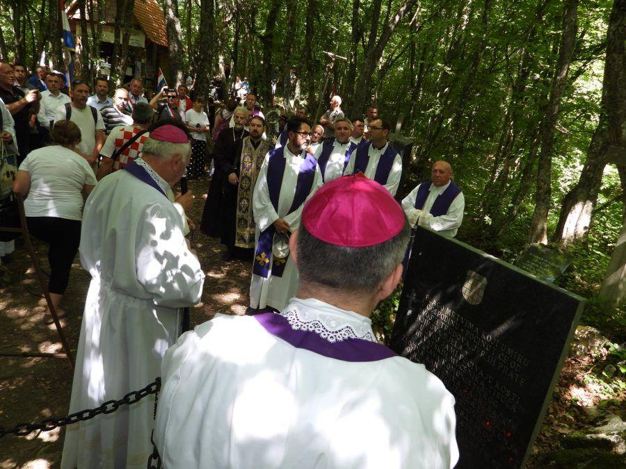 (FOTO i VIDEO) Kod jame Jazovka misa za više od 800 žrtava jugoslavenskog komunističkog režima