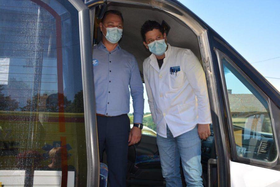 """Cjepko COVID autobus krenuo u cijepljenje """"na kućnom pragu"""""""