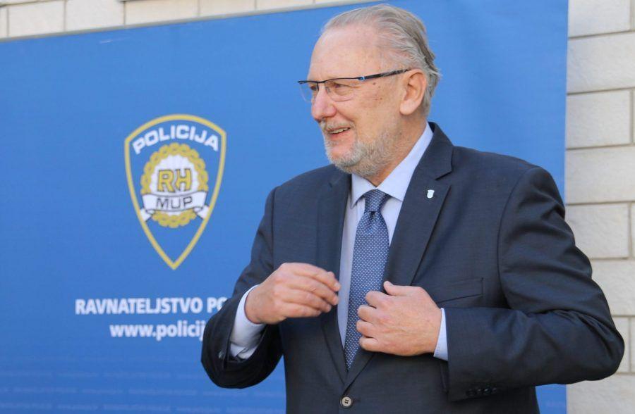 Ministar policije Božinović na društvenim mrežama zahvalio građanima na interesu za covid-potvrdama