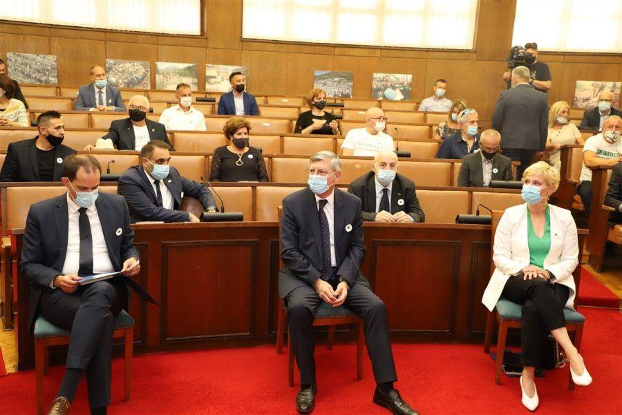 """U Hrvatskome saboru obilježen Dan sjećanja na genocid u Srebrenici: """"Neka se više nikada, nikome i nigdje ne ponovi"""""""