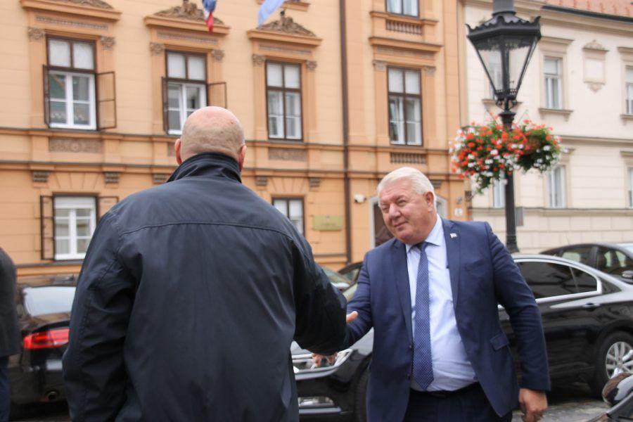 HDZ-ov Đakić poručio zastupniku Domovinskog pokreta Ćipi da je prešao svaku granicu kao branitelj, zastupnik i političar