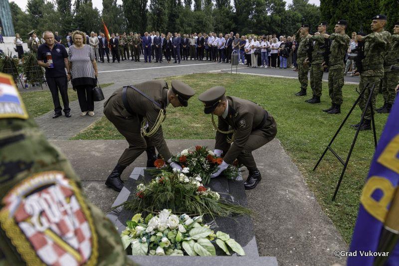 OBILJEŽENA 14. OBLJETNICA SMRTI HRVATSKOG VITEZA: Na današnji dan umro je heroj obrane grada Vukovara, pukovnik Marko Babić