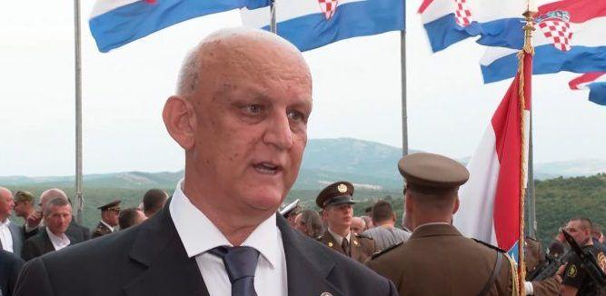 """General Rojs: """"Ja sam imao čast dovesti osobno predsjednika Tuđmana na tvrđavu. On je izletio kao leptirica. Nisam ga mogao pratiti, koliko je bio ushićen"""""""